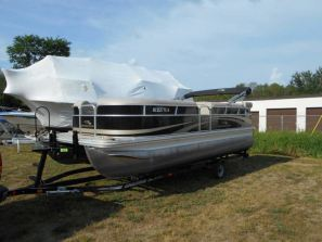 Pontoon Boats for Rent - Traverse City MI